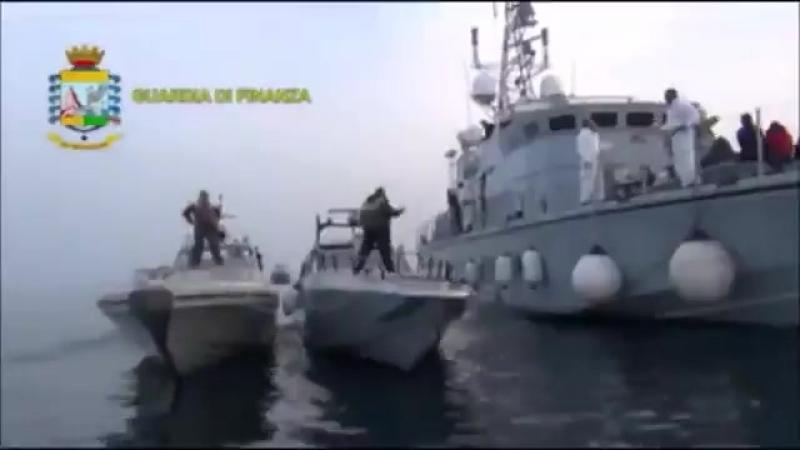 Schlepper bringen vermögende Migranten bequem per Schnellboot von Albanien nach Italien