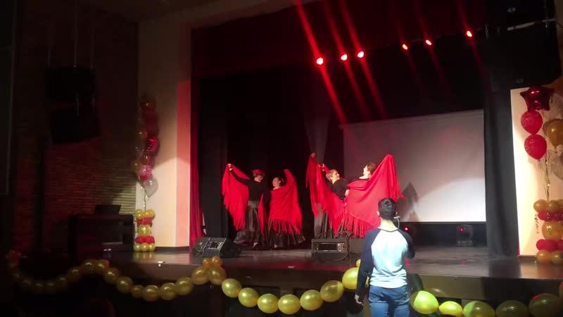 Испанский танец Рétalos de rosa (Лепестки роз) Танцгруппа мам.