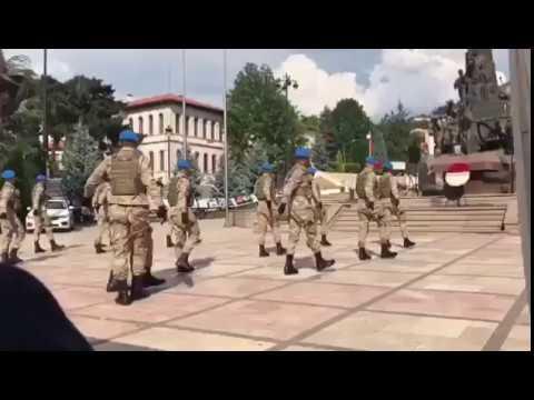 Türk Askerlerinden Zeybek resitali. Turkish Folk Dance