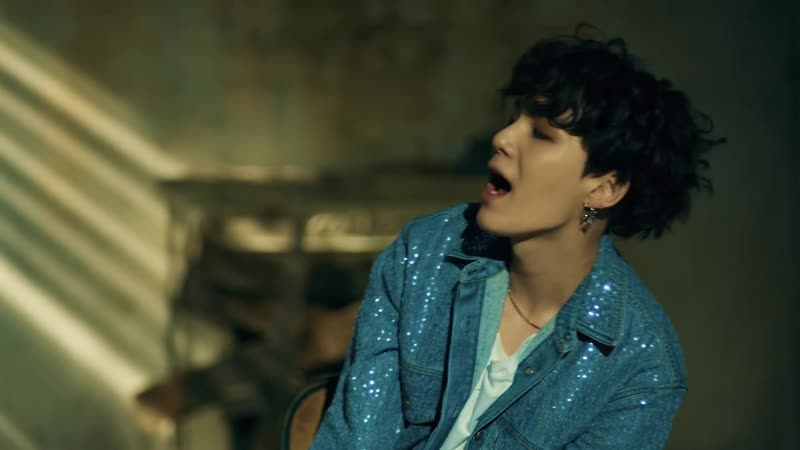 BTS (방탄소년단) FAKE LOVE (Baseclips.ru).mp4