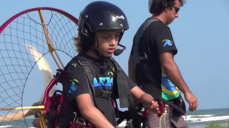 MELK AITA PARAMOTOR - Primeiro voo - Fist Fly - 8 anos piloto - 8 years old paramotor pilot