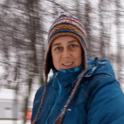 Катя Попова