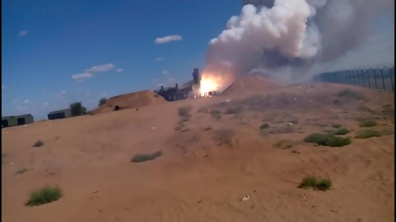 C-300 сгорел после неудачного пуска ракеты.mp4