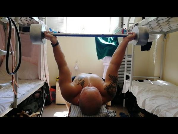 Жим лежи обратный хват 35 кг на 184 раза