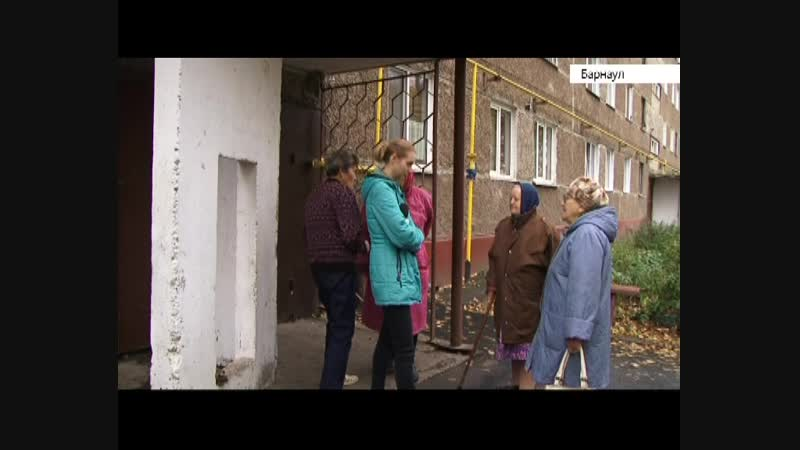 Зловонная канализация в доме на улице Островского не дает дышать жильцам нескольких этажей