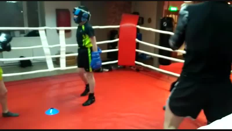 Боксу, подростковая группа. Тренер Зайнал Акавов