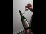 Как элегантно открыть бутылку шампанского