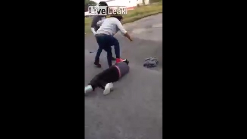 Girl Knocks a Girl Out, Then Stomps on Her Head