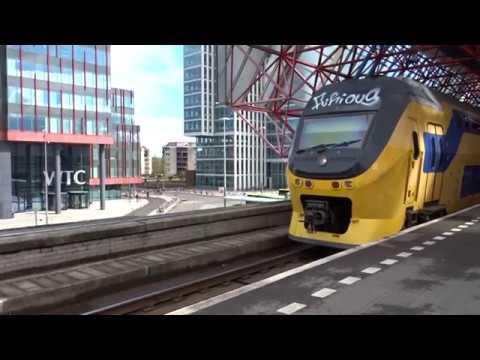 VIRM 8665 vertrekt vanaf Station Almere Centrum!