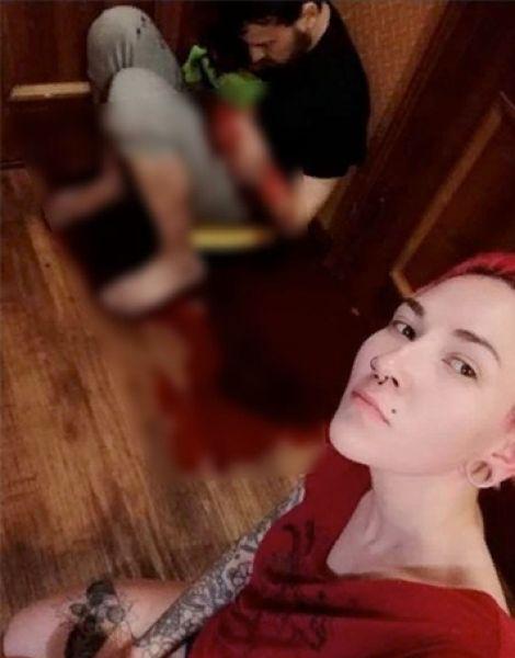 В Сургуте пьяная мадам вогнала нож в бывшего мужа, сделала с ним селфи и запостила в соцсети