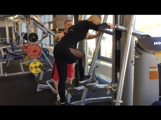 Тренировка на ягодичные мышцы/Тренер Юрий Трофименко. Фитнес клуб Prestige