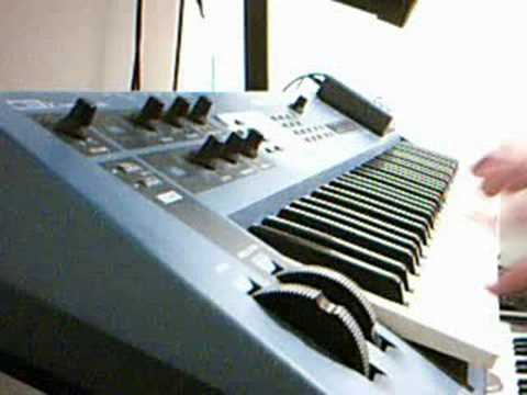 Yamaha CS1x Demo by Failed Muso Pt 1