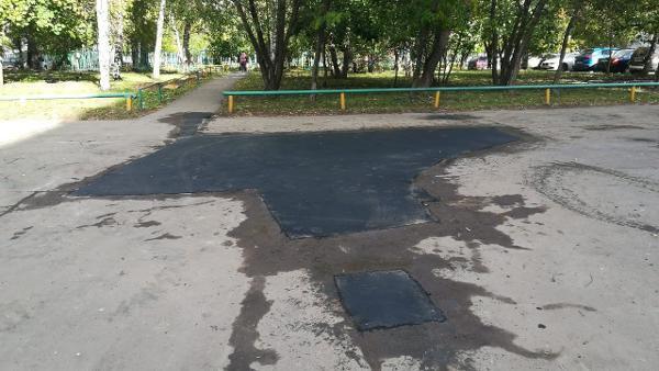 Во дворе на улице Плещеева отремонтировали асфальтобетонное покрытие