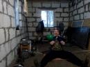Парный жим сидя на полу гири по 32 кг.(9 повторов).