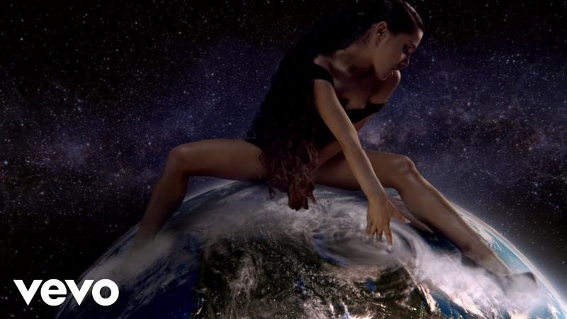 Ariana Grande - God is a woman !!
