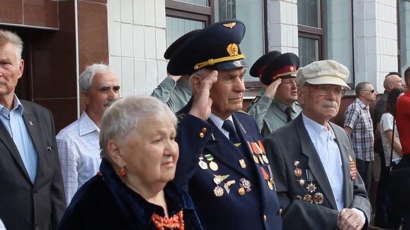 Курсанти Академії НГУ оплесками зустріли ветеранів Другої Світової війни