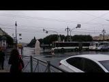 В Петербурге на площади Ленина из-за прорыва трубы образовался «фонтан»