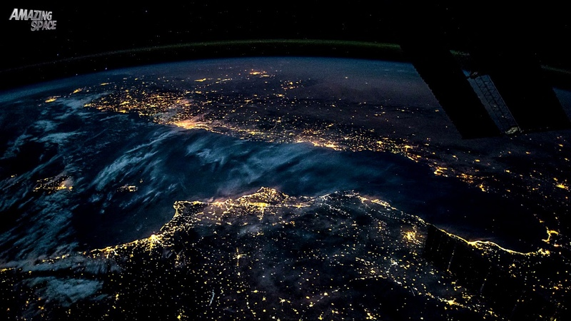 Earth From Space - ISS Time-lapse video From Spain to Poland At Night