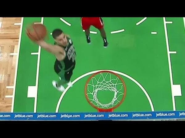 Tatum splits defenders for hammer dunk