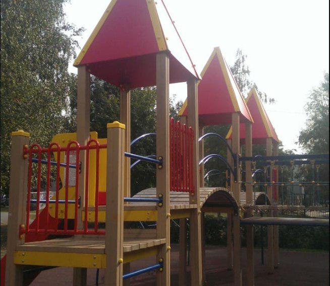 Детская площадка на Новгородской вновь стала безопасной