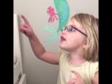 Дети впервые видят четко мир
