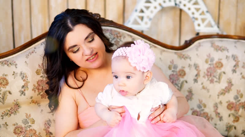 Видео ролик Мама и малыш