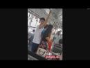 Парень прижимается в автобусе к попке девушки