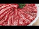 Корейская кухня джеюк поккым или острая тушеная свинина 제육볶음