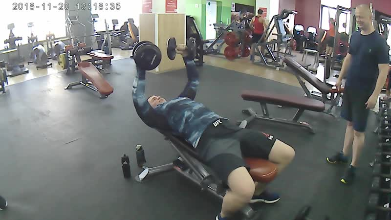 💪 Sport 🏋KVADRO FITNESS Папа тренирует сына👍💪