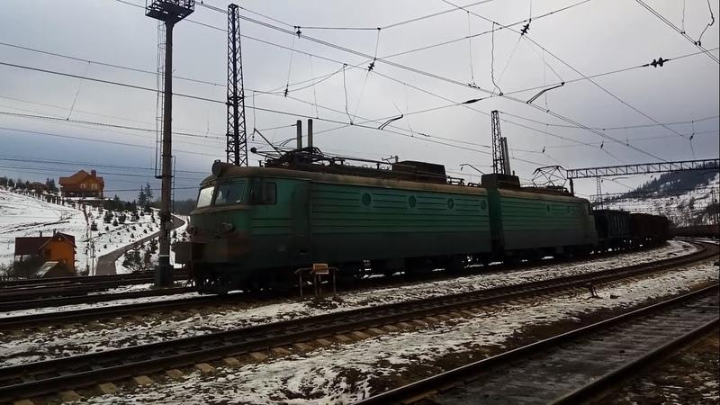 Электровоз ВЛ11м-085 с порожняком, отправлением со станции Лавочное