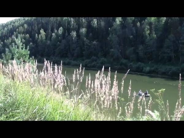 По реке Немде