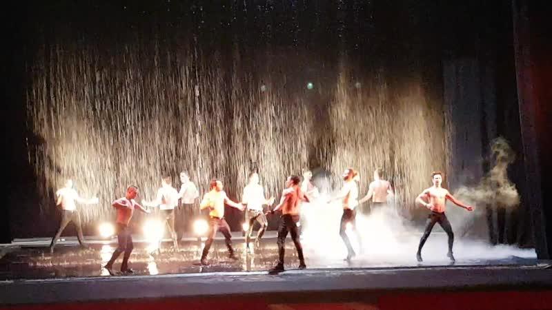 Театр танца Искушение, г.Санкт-Петербург. Шоу под дождем