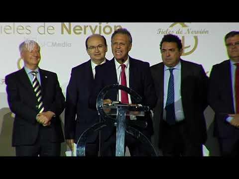 Caparrós: Tenemos que apoyar a nuestro entrenador, le vamos a meter por vena el sevillismo