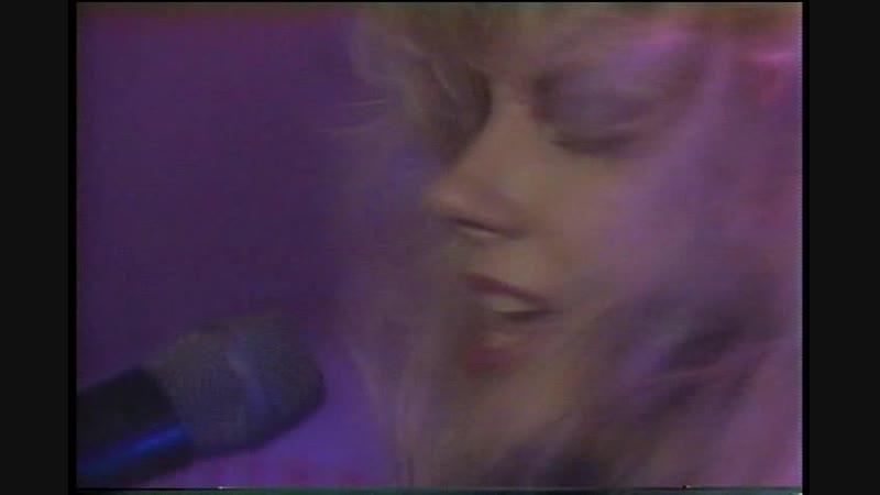 VIXEN - Edge Of A Broken Heart \ Cryin \ 1989 г. ( ВЕЧНАЯ ПАМЯТЬ Гитаристке Jan Kuehnemund )