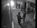Боксер. Один удар один нокаут. Парень поставил на место местных быков защитив свою девушку..mp4