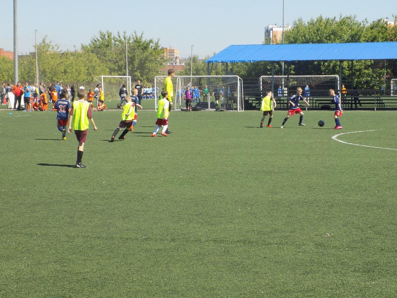 Итоги первого игрового дня турнира по футболу «Большие звёзды светят малым» среди детских команд 2007/2008 и 2009/2010 г.р.