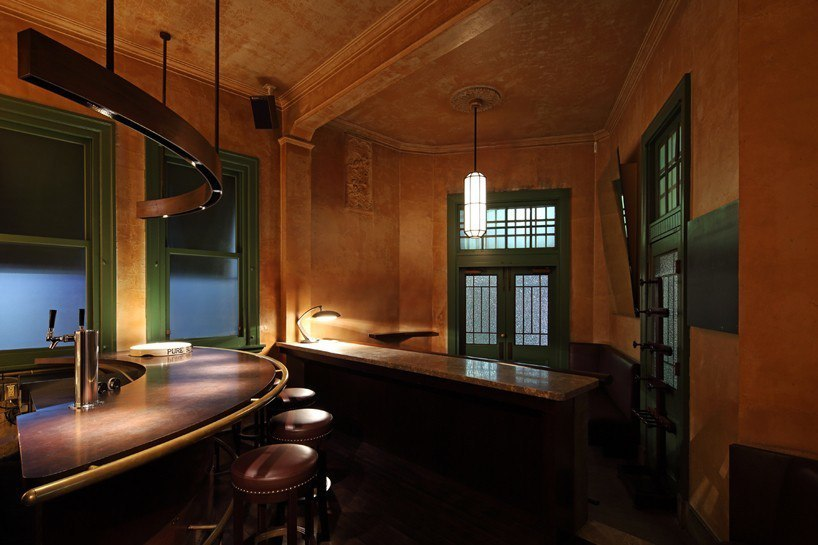 wonderwall refurbishes bank bar in kanagawa, japan