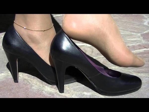 2015 04 19 Shoeplay with black Buffalo
