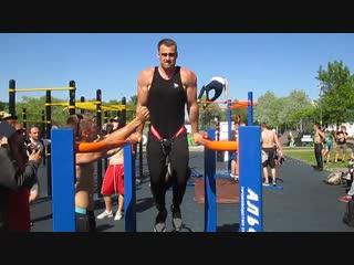 Денис Саратов_Отжимание на брусьях +48 кг (Москва, Россия)