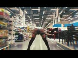 В Брянске девушка устроила горячие танцы в гипермаркете «Лента»