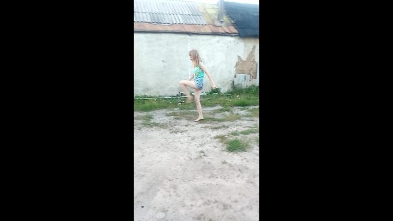 Я танцую. Как вам? Оцените комментарием и лайком!😘😚😘❤❤❤❤❤❤