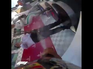 Победный подиум на Гран-при Испании - от лица бутылки шампанского.