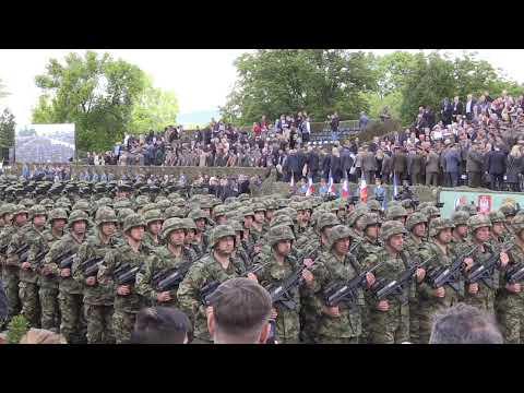 DA SE NAJEŽIŠ! Spektakularna vojna i policijska parada u Nišu!(KURIR TV UŽIVO)