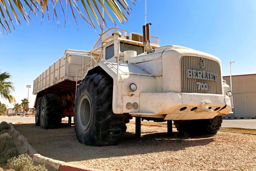 Berliet T100: корабль в пустыне