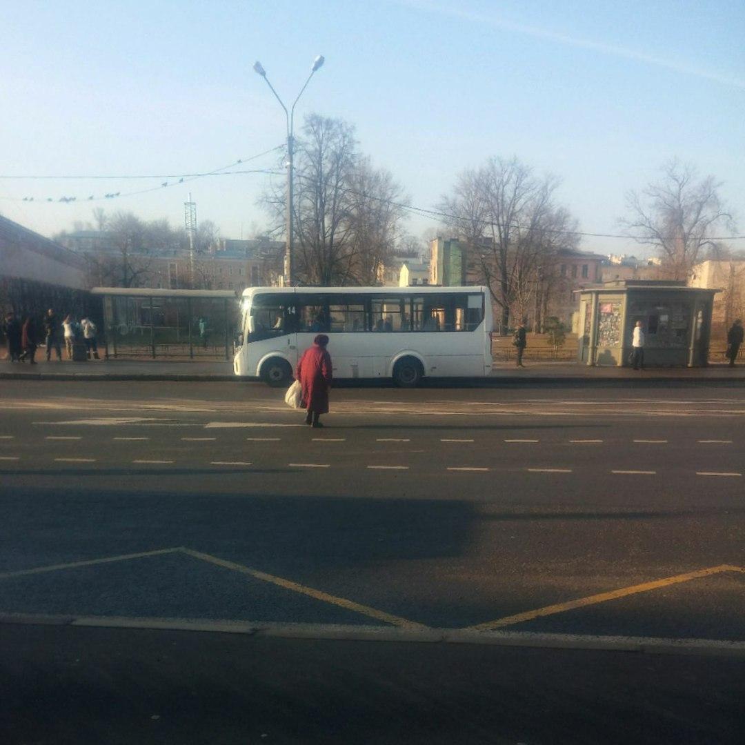 На ломоносовском вокзале. VectorNext на маршруте К424а.