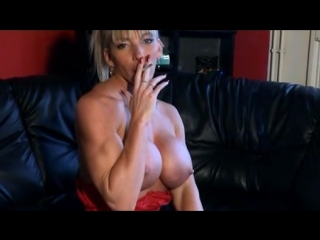 Smoking Muscle Girl - Krisztina Sereny