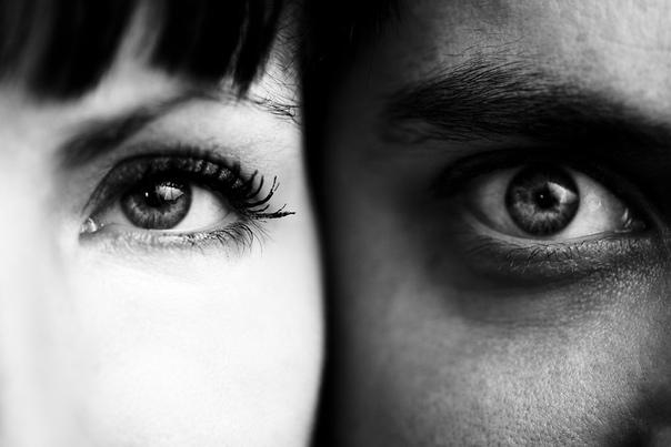 Свобода Две пары глаз встретились. Счастливые и печальные, радостные и грустные, глаза свободного человека и глаза раба. Солнце почти взошло. Он поёжился, потянулся и открыл глаза. Впереди – ещё