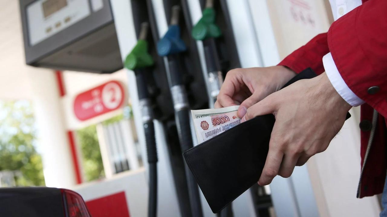 Самый дорогой бензин в ПФО в Чебоксарах.
