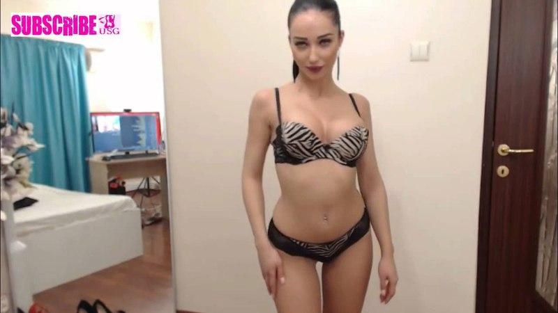 Sexy Webcam Girl - 19