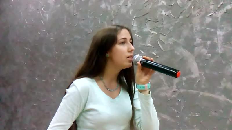 Старый клён (реп.) сл. - М. Матусовский, муз. - А. Пахмутова, исп. - Аня
